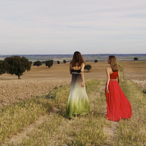 15colgadasdeunapercha_bodas_weddings_vaporosos_rojo_hippie_cadenitas_cabeza_ale_corsini_laura_pol_10