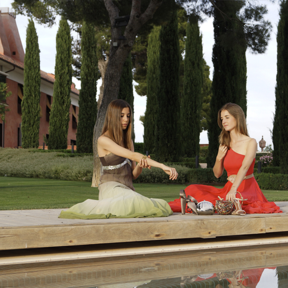 15colgadasdeunapercha_bodas_weddings_vaporosos_rojo_hippie_cadenitas_cabeza_ale_corsini_laura_pol_6