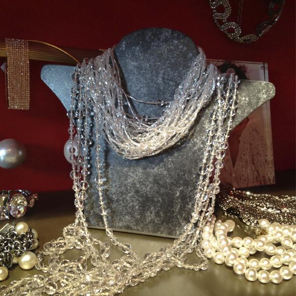 15colgadasdeunapercha_carmina_rotger_passage_complementos_accessories_collares_pulseras_carcasas_movil_bolsos_clutchs_sombreros_6