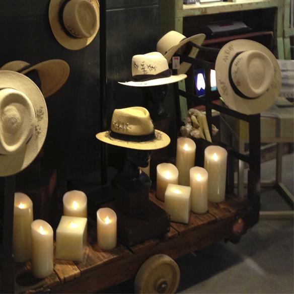 15colgadasdeunapercha_carmina_rotger_passage_complementos_accessories_collares_pulseras_carcasas_movil_bolsos_clutchs_sombreros_7