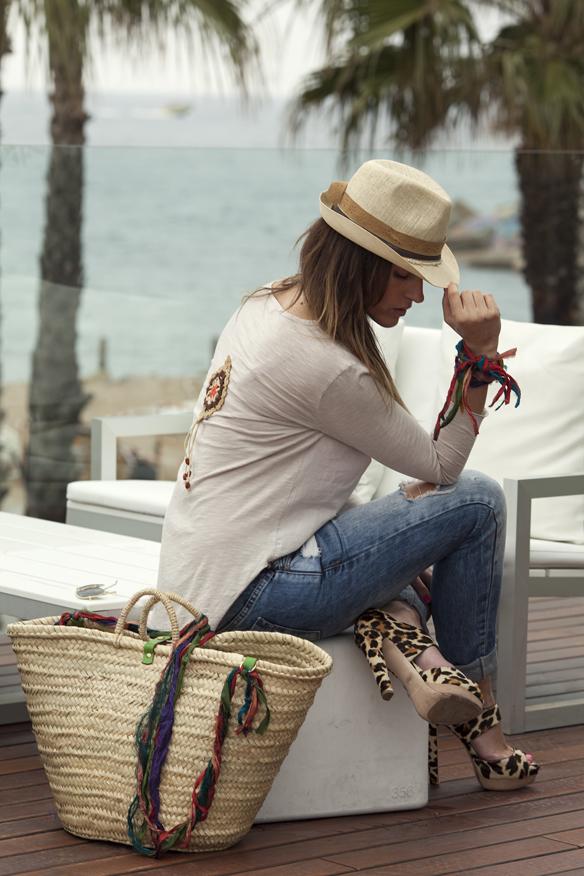 15colgadasdeunapercha_demilamores_handmadelovers_complementos_collares_sombreros_cestos_pendientes_colgantes_ana_crank_sitges_7