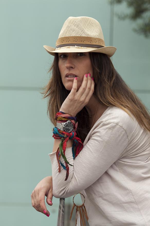 15colgadasdeunapercha_demilamores_handmadelovers_complementos_collares_sombreros_cestos_pendientes_colgantes_ana_crank_sitges_9