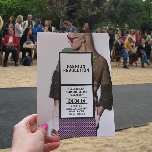 15colgadasdeunapercha_fashion_revolution_day_barcelona_moda_sostenible_ecologica_pasarela_desfile_sustainable_fashion_1