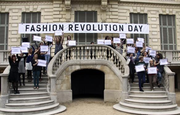 15colgadasdeunapercha_fashion_revolution_day_barcelona_moda_sostenible_ecologica_pasarela_desfile_sustainable_fashion_21