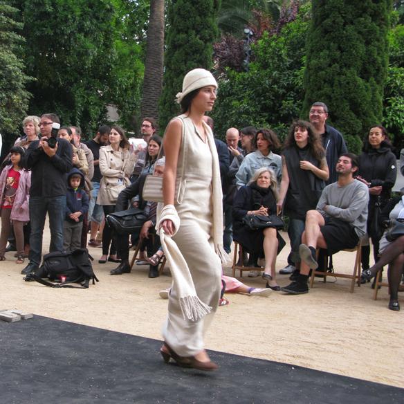 15colgadasdeunapercha_fashion_revolution_day_barcelona_moda_sostenible_ecologica_pasarela_desfile_sustainable_fashion_carmela_rodriguez_4