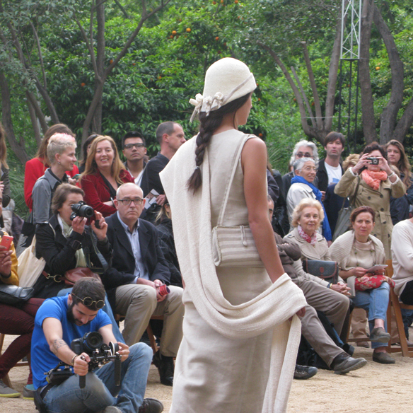15colgadasdeunapercha_fashion_revolution_day_barcelona_moda_sostenible_ecologica_pasarela_desfile_sustainable_fashion_carmela_rodriguez_5