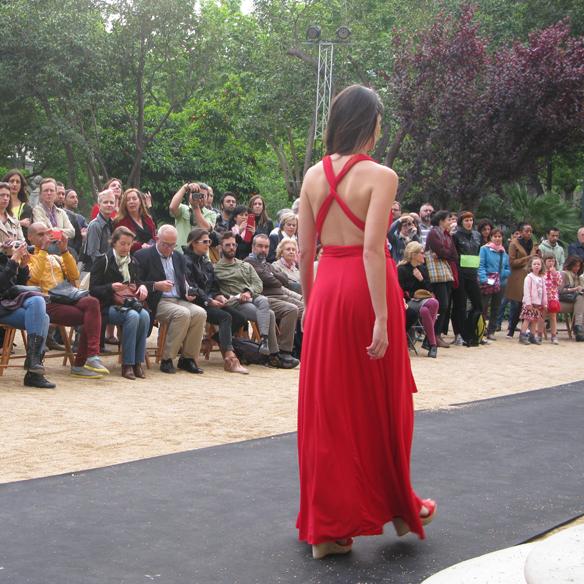 15colgadasdeunapercha_fashion_revolution_day_barcelona_moda_sostenible_ecologica_pasarela_desfile_sustainable_fashion_mimetik_bcn_14