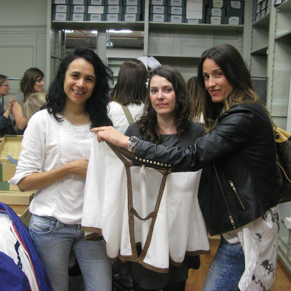 15colgadasdeunapercha_fashion_revolution_day_barcelona_moda_sostenible_ecologica_pasarela_desfile_sustainable_fashion_miu_sutin_eva_y_noelia_25