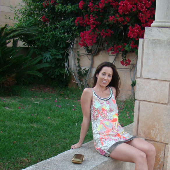 15colgadasdeunapercha_preboda_prewedding_short_dress_vestido_corto_paillettes_dorado_gold_marta_r_10