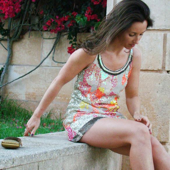 15colgadasdeunapercha_preboda_prewedding_short_dress_vestido_corto_paillettes_dorado_gold_marta_r_2