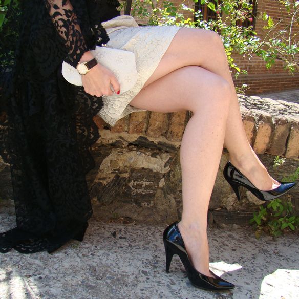 15colgadasdeunapercha_weddings_bodas_mantilla_espanola_tocado_clutch_stilettos_marta_r_9