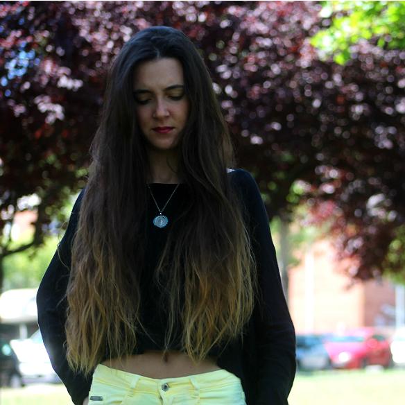 15colgadasdeunapercha_yellow_amarillo_high_waisted_jeans_skinny_pitillos_tejanos_de_talle_alto_blanca_sabadell_2