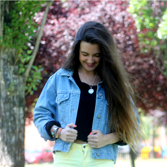 15colgadasdeunapercha_yellow_amarillo_high_waisted_jeans_skinny_pitillos_tejanos_de_talle_alto_blanca_sabadell_8