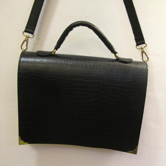 15colgadasdeunapercha_Boria_and_Coria_Boria&Coria_bolsos_handbags_barcelona_piel_leather_beth_cris_puig-doria_11