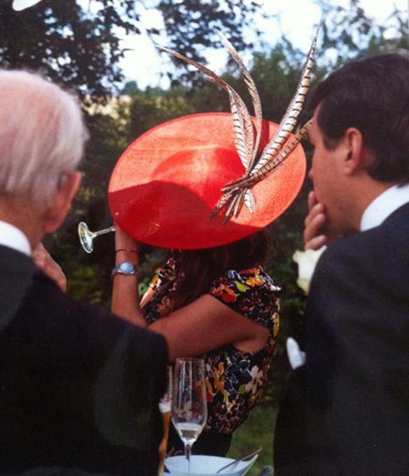 15colgadasdeunapercha_con_cabeza_y_a_lo_loco_tocados_coronas_diademas_canotiers_pamelas_turbantes_sombreros_headdresses_mimoki_2