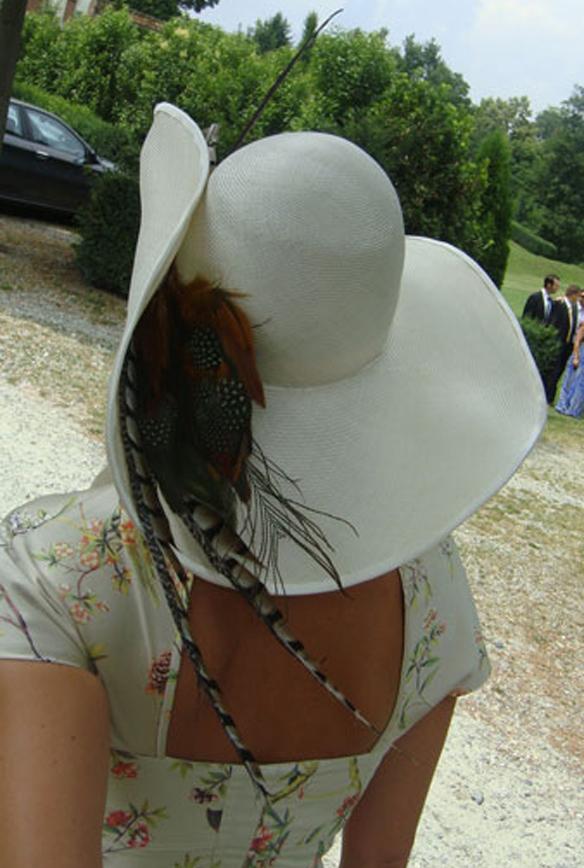 15colgadasdeunapercha_con_cabeza_y_a_lo_loco_tocados_coronas_diademas_canotiers_pamelas_turbantes_sombreros_headdresses_mimoki_4
