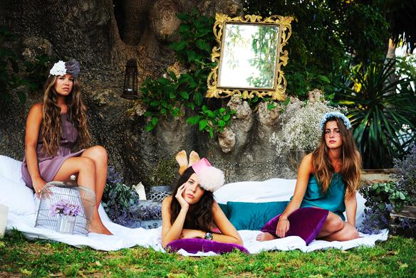 15colgadasdeunapercha_con_cabeza_y_a_lo_loco_tocados_coronas_diademas_canotiers_pamelas_turbantes_sombreros_headdresses_nana_golmar_2