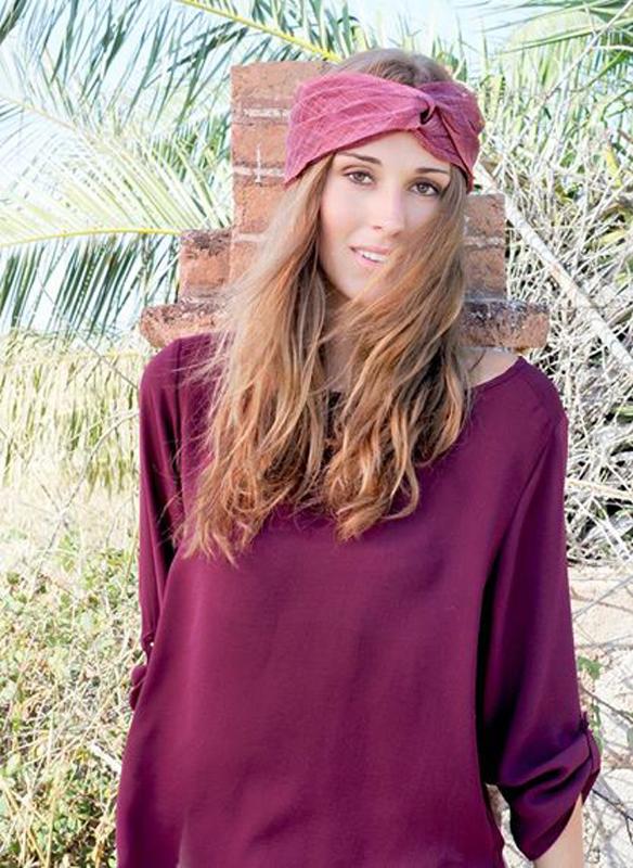 15colgadasdeunapercha_con_cabeza_y_a_lo_loco_tocados_coronas_diademas_canotiers_pamelas_turbantes_sombreros_headdresses_nua_alejandrino_3