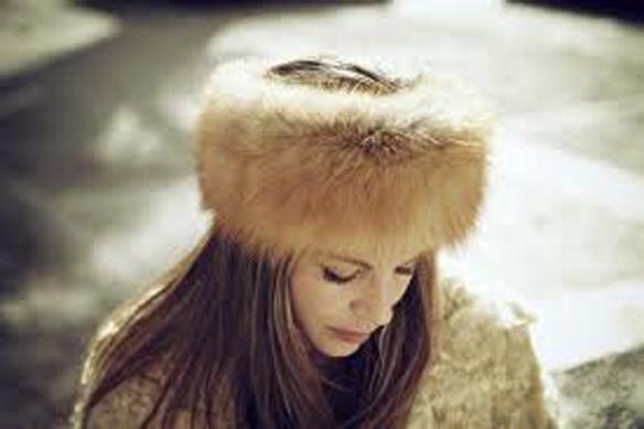 15colgadasdeunapercha_con_cabeza_y_a_lo_loco_tocados_coronas_diademas_canotiers_pamelas_turbantes_sombreros_headdresses_zhivago_turbans_4