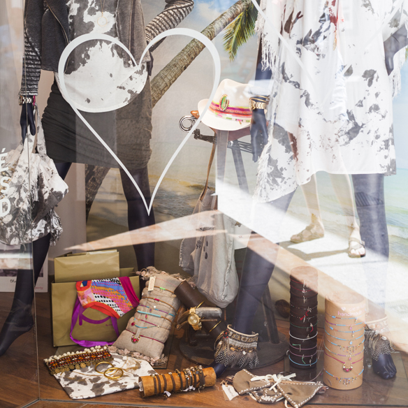15colgadasdeunapercha_crank_sitges_moda_fashion_lendinez_de_mil_amores_the_hip_tee_pampaflower_turtlebay_georgina carreras_a_duo_barcelona_9