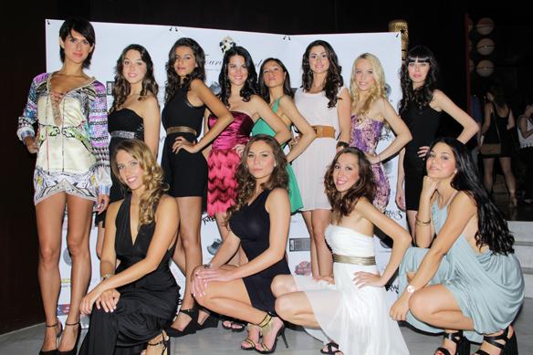 15colgadasdeunapercha_miss_turismo_catalunya_2014_nieves_sanchez_teatre_principal_jurado_bloggers_moda_barcelona_carla_kissler_alicia_alvarez_8