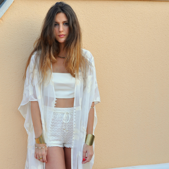 15colgadasdeunapercha_san_juan_saint_john_blanco_total_white_crop_top_etnico_ethnic_crop_top_shorts_ganchillo_anna_duarte_10