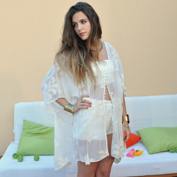 15colgadasdeunapercha_san_juan_saint_john_blanco_total_white_crop_top_etnico_ethnic_crop_top_shorts_ganchillo_anna_duarte_8