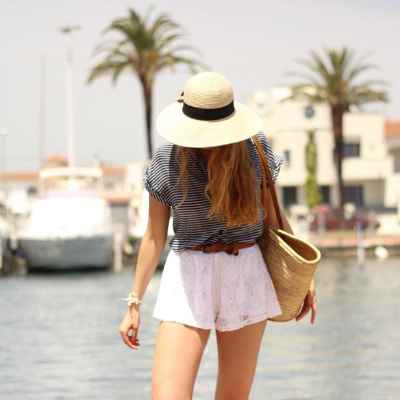 15colgadasdeunapercha_san_juan_saint_john_marinero_sailor_capazo_cot_sombrero_hat_shorts_blancos_white_shorts_julia_ros_3