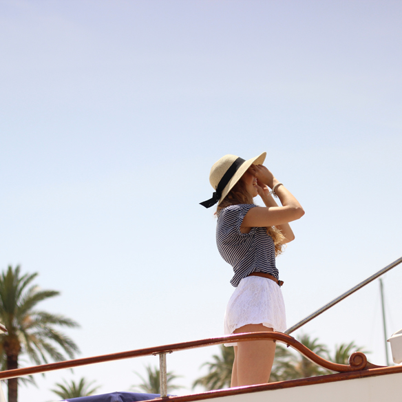 15colgadasdeunapercha_san_juan_saint_john_marinero_sailor_capazo_cot_sombrero_hat_shorts_blancos_white_shorts_julia_ros_5
