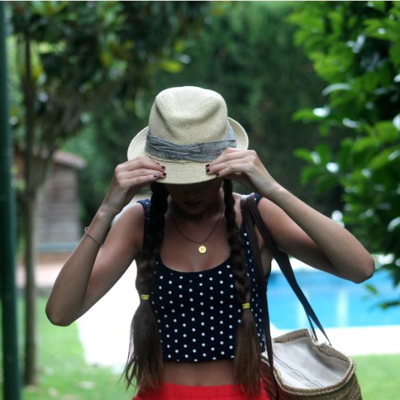 15colgadasdeunapercha_san_juan_saint_john_maxifalda_maxiskirt_crop_top_topos_polka_dots_capazo_cot_sombrero_hat_trenzas_braids_blanca_sabadell_5