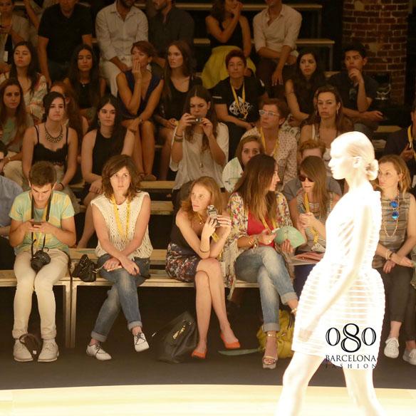 15colgadasdeunapercha_080_barcelona_fashion_moda_desfile_justicia_ruano_7