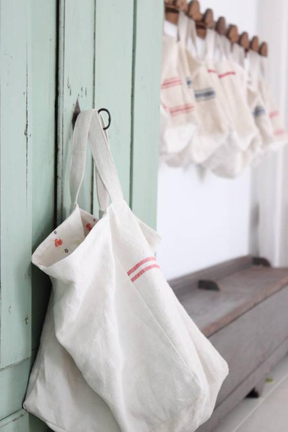 15colgadasdeunapercha_closet_musts_must_have_ana_&_cuca_bolsos_lino_linen_bags_antiqbr_2