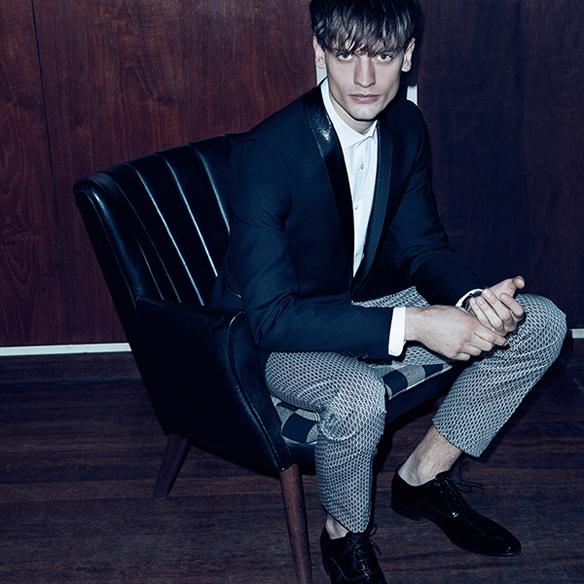 15colgadasdeunapercha_el_closet_de_un_hombre_a_men's_closet_menswear_moda_masculina_moda_para_hombre_men_fashion_man_hombres_sand_copenhagen_1
