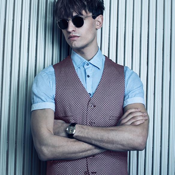 15colgadasdeunapercha_el_closet_de_un_hombre_a_men's_closet_menswear_moda_masculina_moda_para_hombre_men_fashion_man_hombres_sand_copenhagen_2