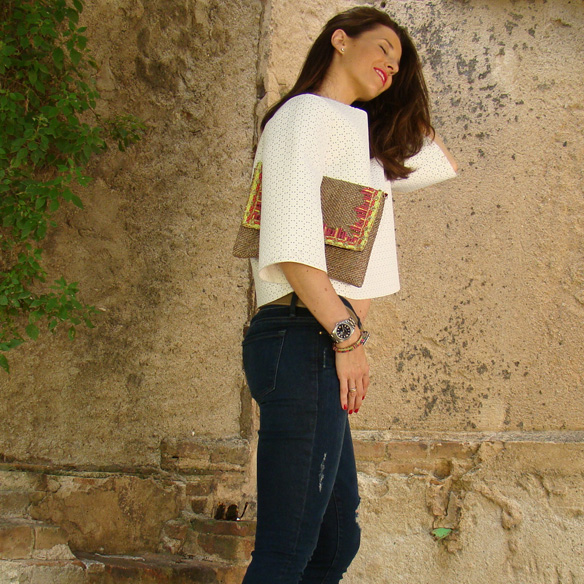 15colgadasdeunapercha_frame_denim_frayed_jeans_esgivien_crop_top_clutch_rafia_etnico_ethnic_pulseras_primavera_accesorios_bracelets_stilettos_marta_r_2