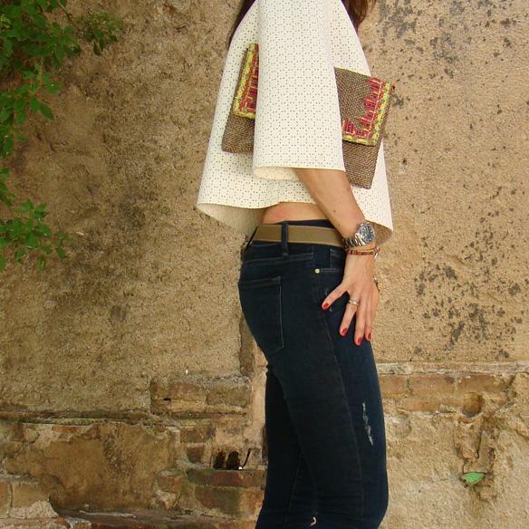 15colgadasdeunapercha_frame_denim_frayed_jeans_esgivien_crop_top_clutch_rafia_etnico_ethnic_pulseras_primavera_accesorios_bracelets_stilettos_marta_r_6