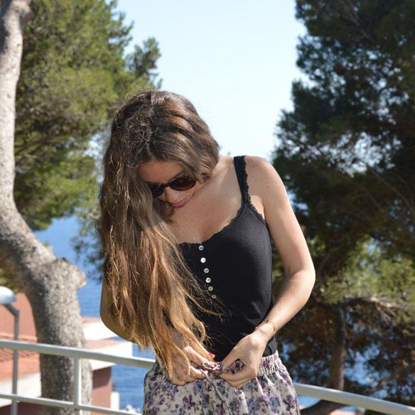 15colgadasdeunapercha_shorts_estampados_florales_floral_print_shorts_pijameros_pyjama_style_cuñas_wedges_carla_palau_8
