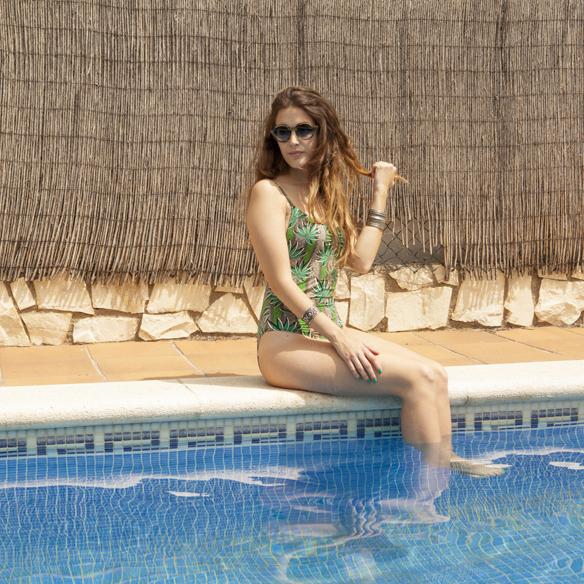 15colgadasdeunapercha_summer_verano_bañador_swimsuit_crochet_shorts_ganchillo_camisa_oversize_shirt_anna_duarte_8