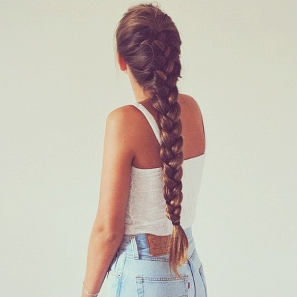 15colgadasdeunapercha_summer_verano_hairstyles_peinados_recogidos_upsweeps_trenza_braid_falso_bob_false_bob_coleta_pulida_ponytail_1
