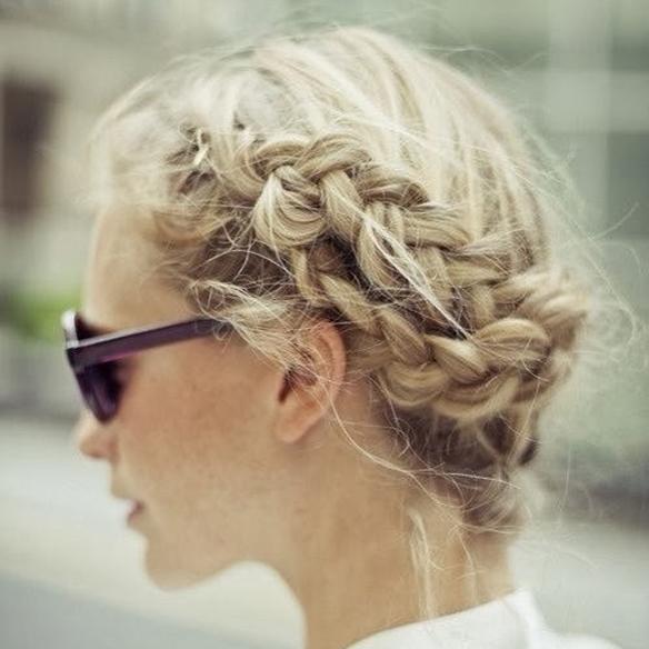 15colgadasdeunapercha_summer_verano_hairstyles_peinados_recogidos_upsweeps_trenza_braid_falso_bob_false_bob_coleta_pulida_ponytail_2