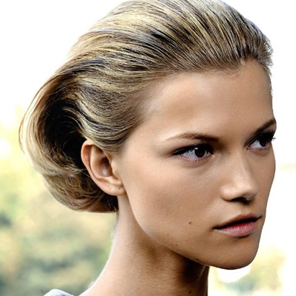 15colgadasdeunapercha_summer_verano_hairstyles_peinados_recogidos_upsweeps_trenza_braid_falso_bob_false_bob_coleta_pulida_ponytail_6