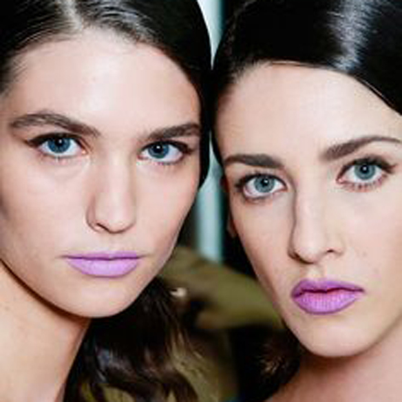 15colgadasdeunapercha_summer_verano_tendencias_maquillaje_make_up_trends_labios_naranja_orange_lips_labios_malva_mauve_lips_4