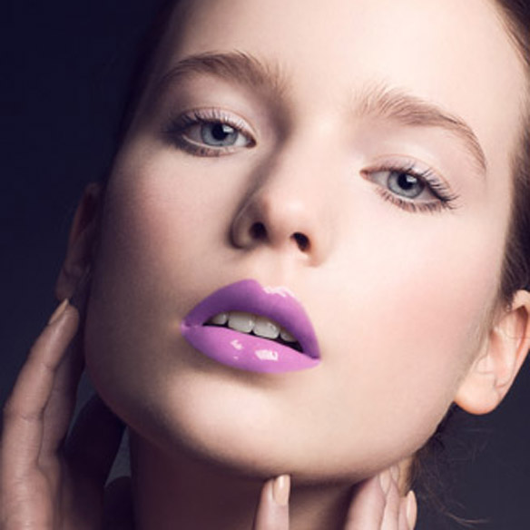 15colgadasdeunapercha_summer_verano_tendencias_maquillaje_make_up_trends_labios_naranja_orange_lips_labios_malva_mauve_lips_6