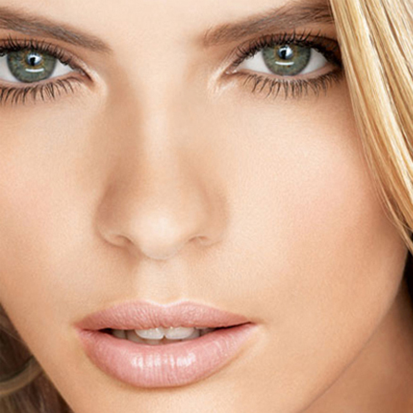 15colgadasdeunapercha_summer_verano_tendencias_maquillaje_make_up_trends_rostro_iluminado_lit_face_3