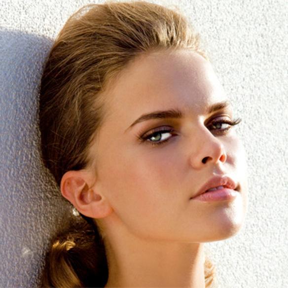 model: next company H&M: Sophie Chudzikowski