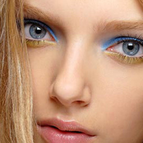 15colgadasdeunapercha_summer_verano_tendencias_maquillaje_make_up_trends_sombras_de_colores_color_eyeshadows_amarillo_verde_azul_lila_naranja_5