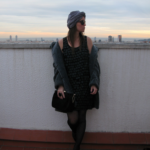 15colgadadeunapercha_newyearseve_nochevieja_findeac3b1o_black_turban_plumeti_fur_velvet_sequin_paillettes_ck1