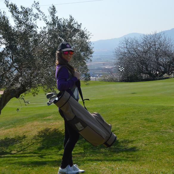 15colgadasdeunapercha_deporte_sport_golf_carla_palau_2