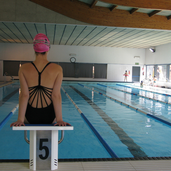 15colgadasdeunapercha_deporte_sport_natacion_swimming_piscina_pool_cangrejeras_jellies_bac3b1ador_swimsuite_carla_kissler_1