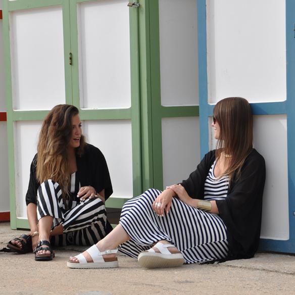 15colgadasdeunapercha_kimono_rayas_blanco_y_negro_b&w_stripes_uñas_blancas_white_nails_ugly_shoes_anna_duarte_carla_kissler_5